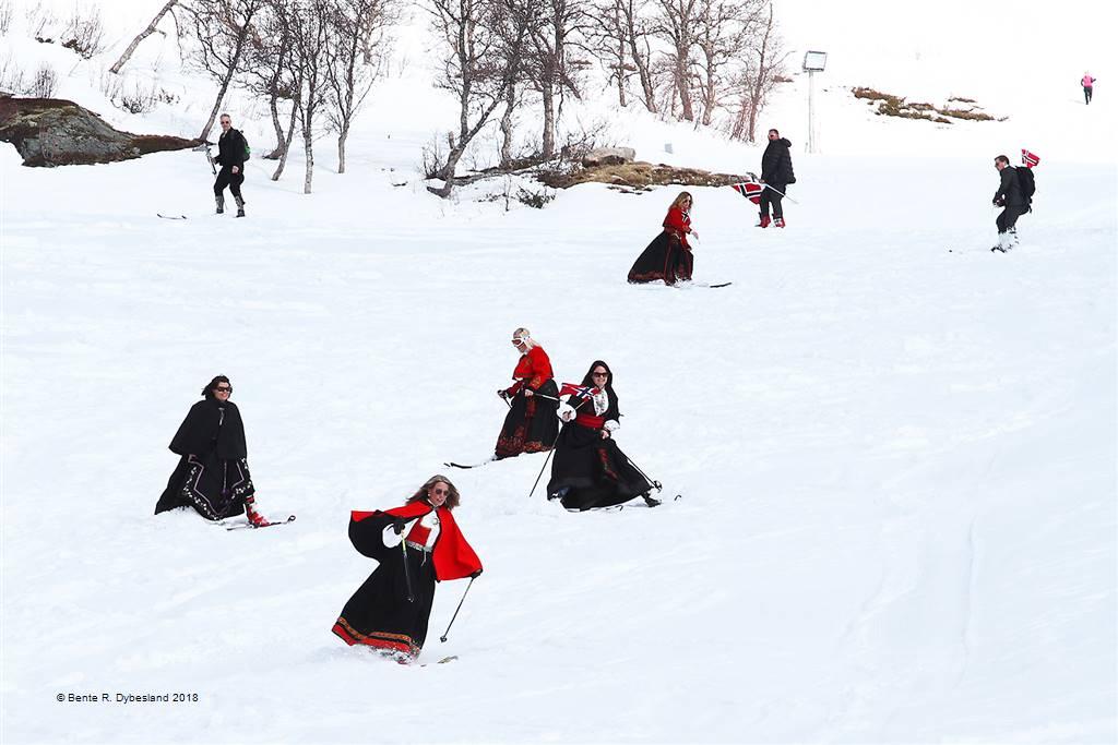 Bente R. Dybesland – Norwegian Skiers – Open Colour