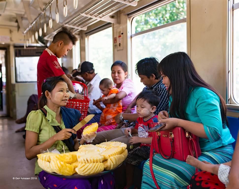Geir Arnesen – The Pinapple Seller in Yangon – Photo Travel