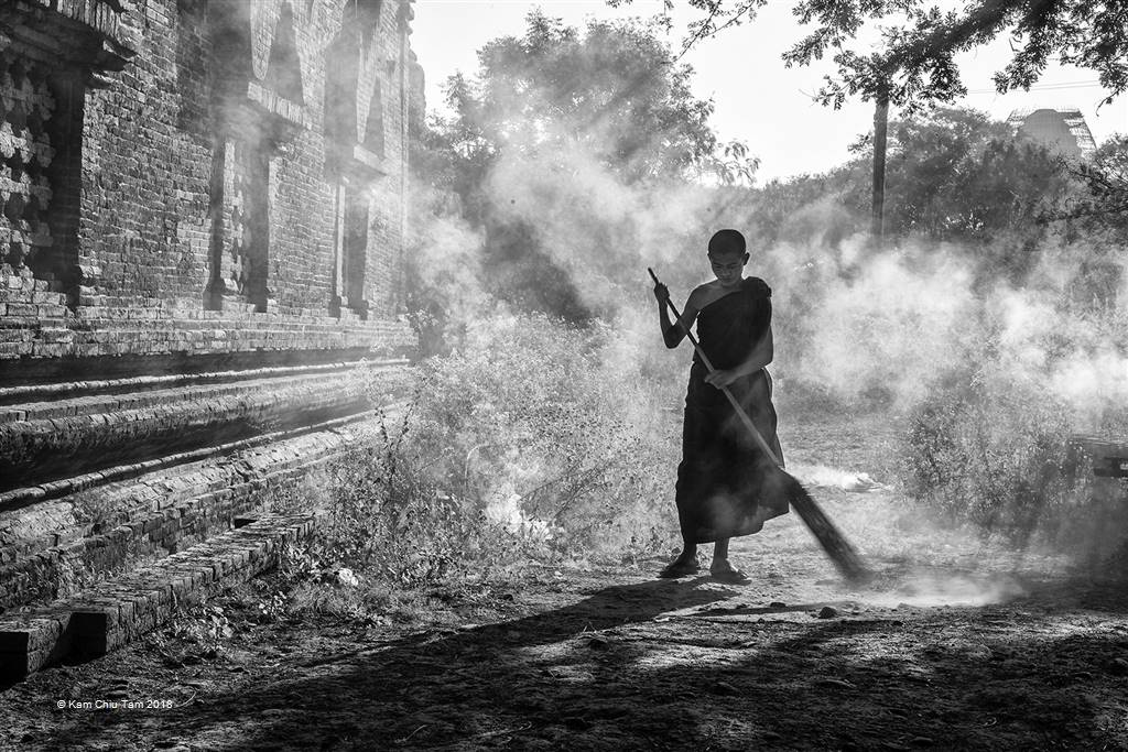 Kam Chiu Tam – Cleaning in the Morning – Photo Travel