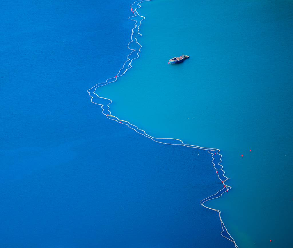 Morten Tellefsen_Divided Water_FIAP Silver medal__Projected Digital Images Open Colour