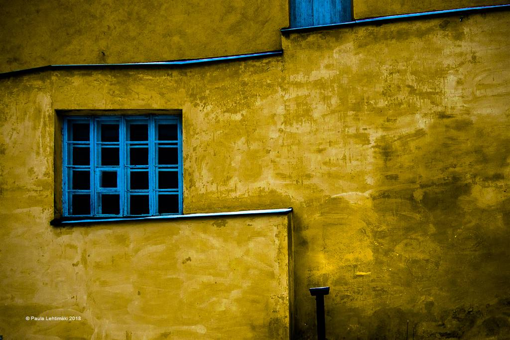 Paula Lehtimaki – Blue Window – Open Colour