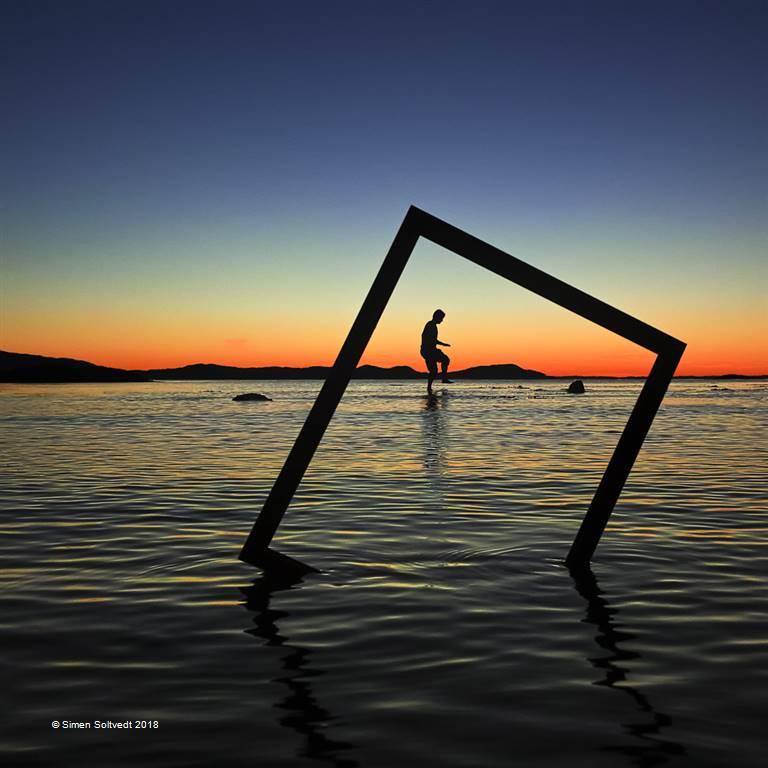 Simen Soltvedt – Framed Silhuette – Open Colour