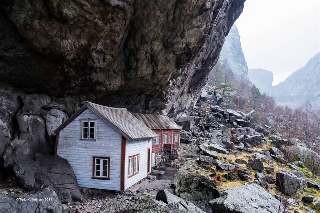 Terje Kolbeinsen – Protected House II – Photo Travel