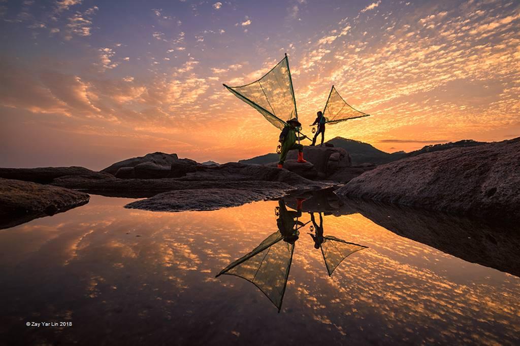 Zay Yar Lin – Fishermen at Golden Morning – Open Colour